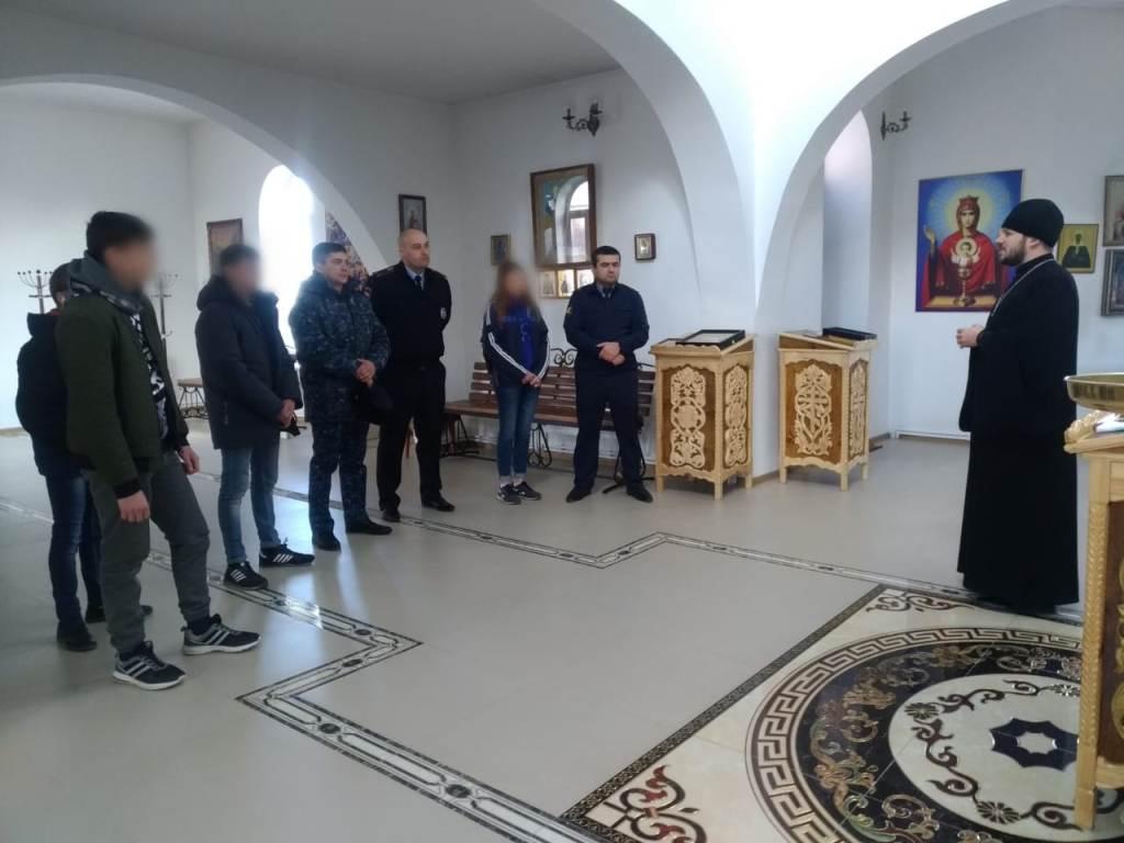 Несовершеннолетние осужденные, состоящие на учете УИИ УФСИН России по Кабардино-Балкарской Республике, посетили храм Пресвятой Богородицы